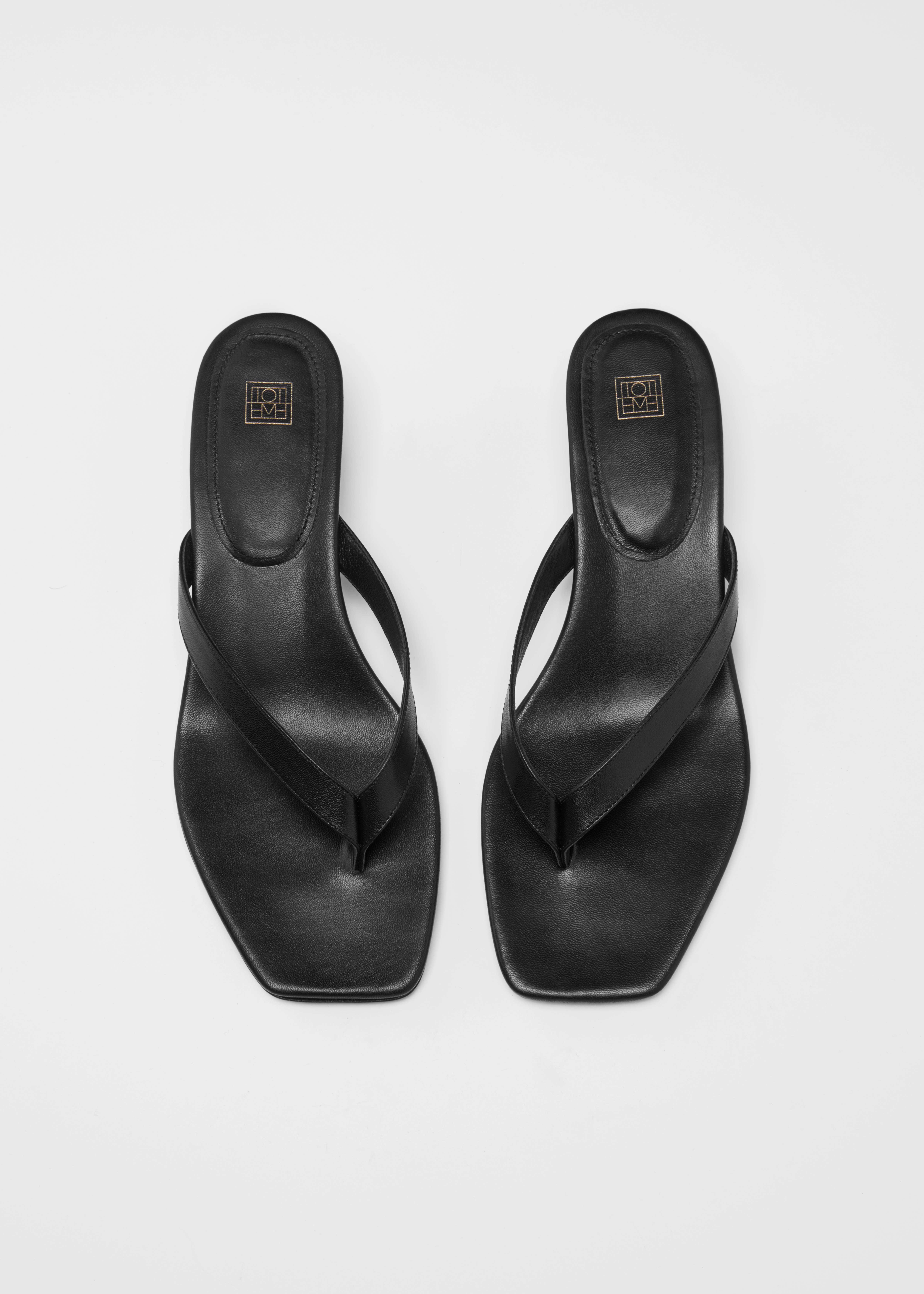 The Flip-Flop Heel black - Totême
